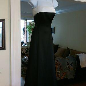 Formal dress by Niki
